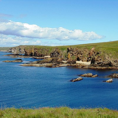 A beautiful sunny afternoon on a walking tour of the west coast of South Ronaldsay.