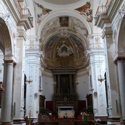 Chiesa di S. Pietro - interni