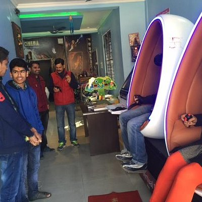 9D VR Cinema ride experience