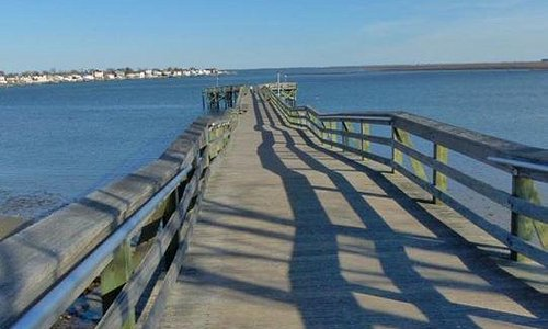 View of the pier.