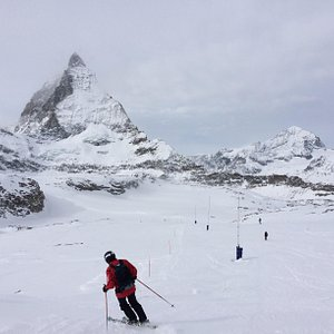 Skiing down from Trockerner Steg