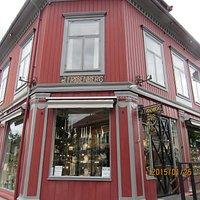 La Strada Pizzeria & Tacobar, calle en donde esta ubicada