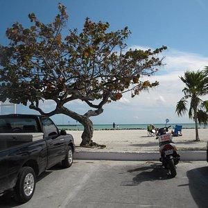 Una de las pocas playas publicas,..esta particularmente es muy linda
