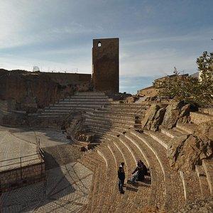 Teatro Pietra Rosa e Torre del Maurolico