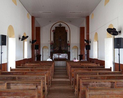 Visão interna da Igreja de Santa Cruz dos Milagres