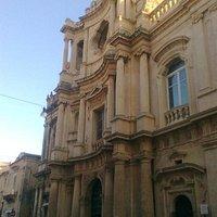 San Carlo al Corso: facciata