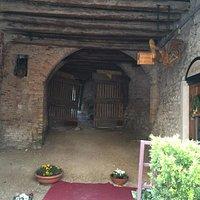 Вид в арку Дома Порденоне