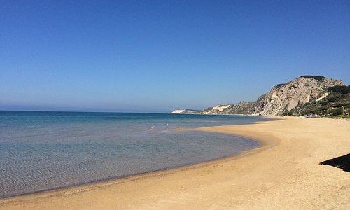 """riserva naturale Torre salsa - panorama della spiaggia detta """"funcitedda"""""""