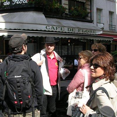 Devant le Café de Flore