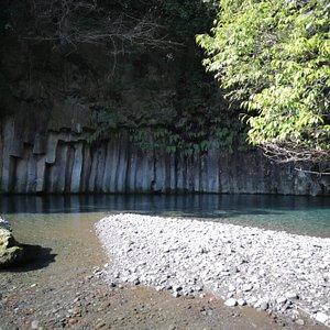 景ヶ島渓谷の屏風岩