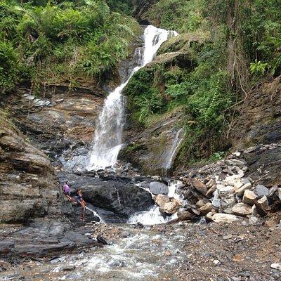 Water falls in Aeilu