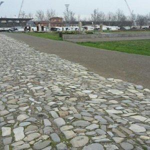 Paricolari dell'area archologica
