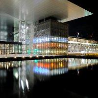 Das KKL Luzern bei Nacht