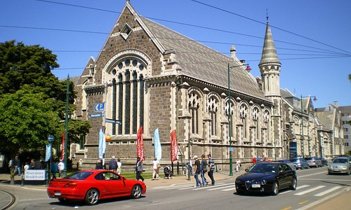 Canterbury Museum from the corner of Worchest and Rolleston.