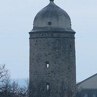 Вид на башню со стороны моста через Шпрее (крупный план)