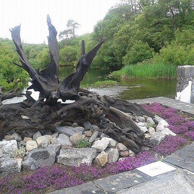 Bog Oak 3 winged Raven by sculptur Ronnie Graham