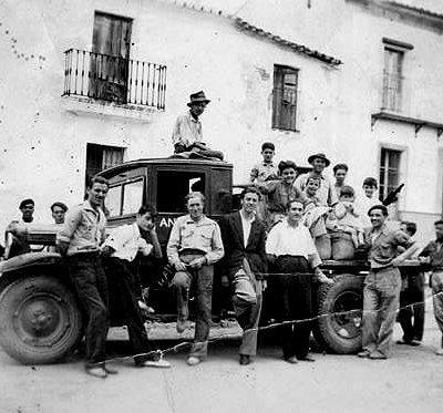Camión antiguo de reparto