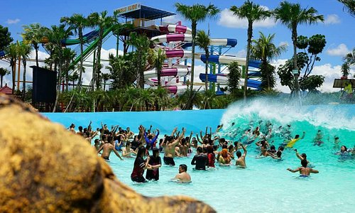 Tsunami Pool Hawai Waterpark Malang