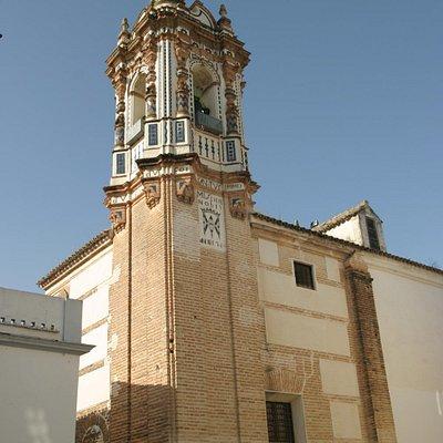 Espadaña del convento de las Marroquíes.
