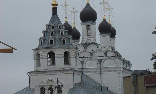 Петро-Павловский храм одноименного женского монастыря