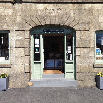 The Customs House Gallery on Porthleven's harbour side.