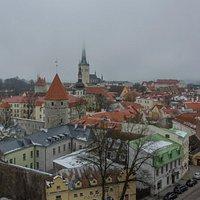 Вид на Старый Таллин с площадки