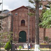 Entrada principal da Igreja de Urubamba