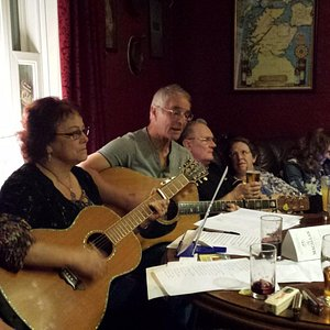 A typical acoustic night in the Whisky Bar