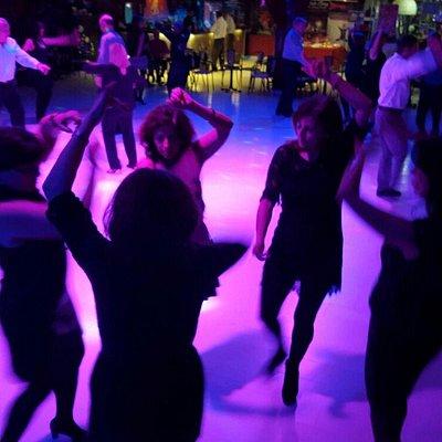 Bailando por sevillanas