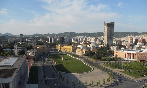 Skanderbeg Square by morning