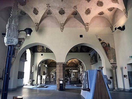 Milano, Castello Sforzesco: le sale I, II e III dalla sala IV