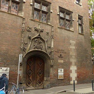 Fachada do antigo Hôtel de Bernuy