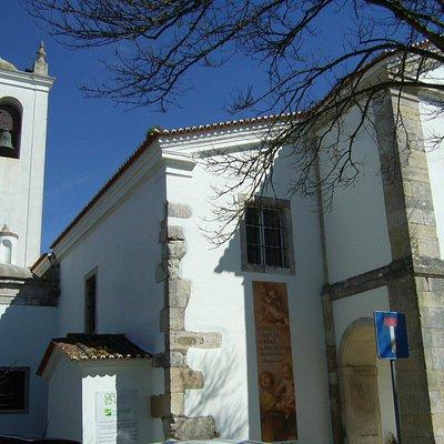 Igreja de Santa Mariia de Alcáçova, contígua à Casa-Museu.