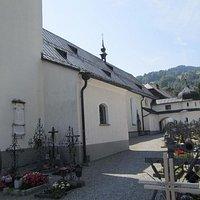 Kerkhof bij Schwarzenberger Pfarrkirche