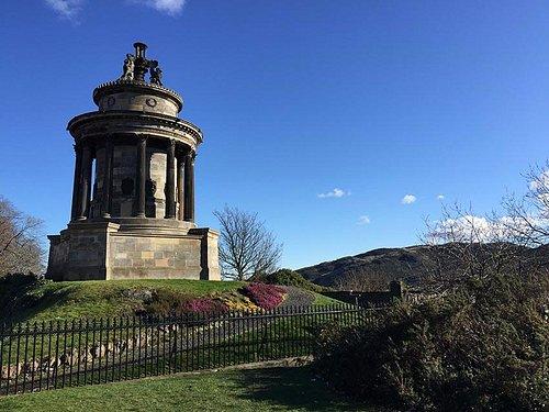 Burns monument