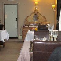 la salle du restaurant, ambiance feutrée et cosy