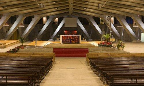 Basilique Saint-Pie X, Lourdes (Hautes-Pyrénées, Languedoc-Roussillon-Midi-Pyrénées), France.