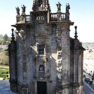 Church view from plaza de Obradoiro.