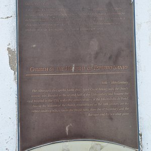 History tablet on façade.