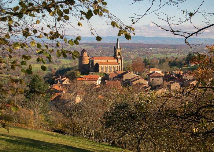 Vue du village du Crozet dans la Loire