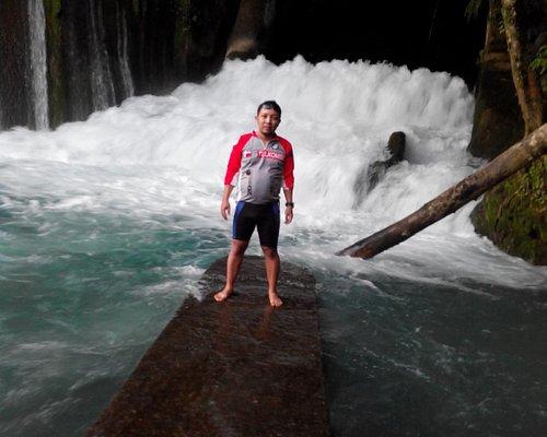 Waikelo Sawah Waterfall - aliran deras