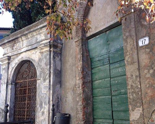 Gorgeous Tuscan doors in Castelmaggiore village!