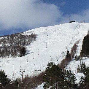 Flott skianlegg, både for langrenn og for slalåm.