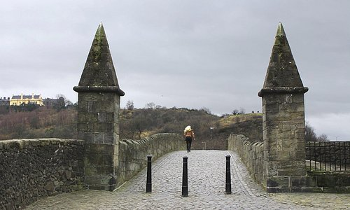 the Cobbled Stirling Bridge with Castle as a backdrop