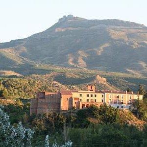 Monasterio de Vico a los pies de Peña Isasa