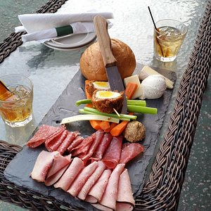 The meat & cheese platter