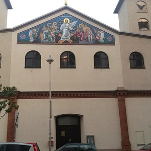 Церковь -- фасад