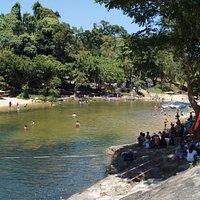 Водопады в парке Yang Bay в выходной день
