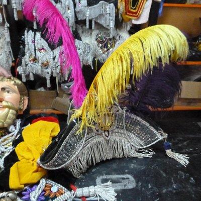 El sombrero con plumas!!