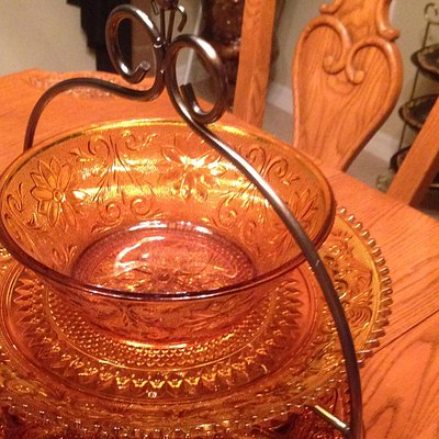 My great finds on Tiara Indiana Amber serving dishes